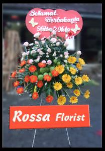 standing flower wedding 05